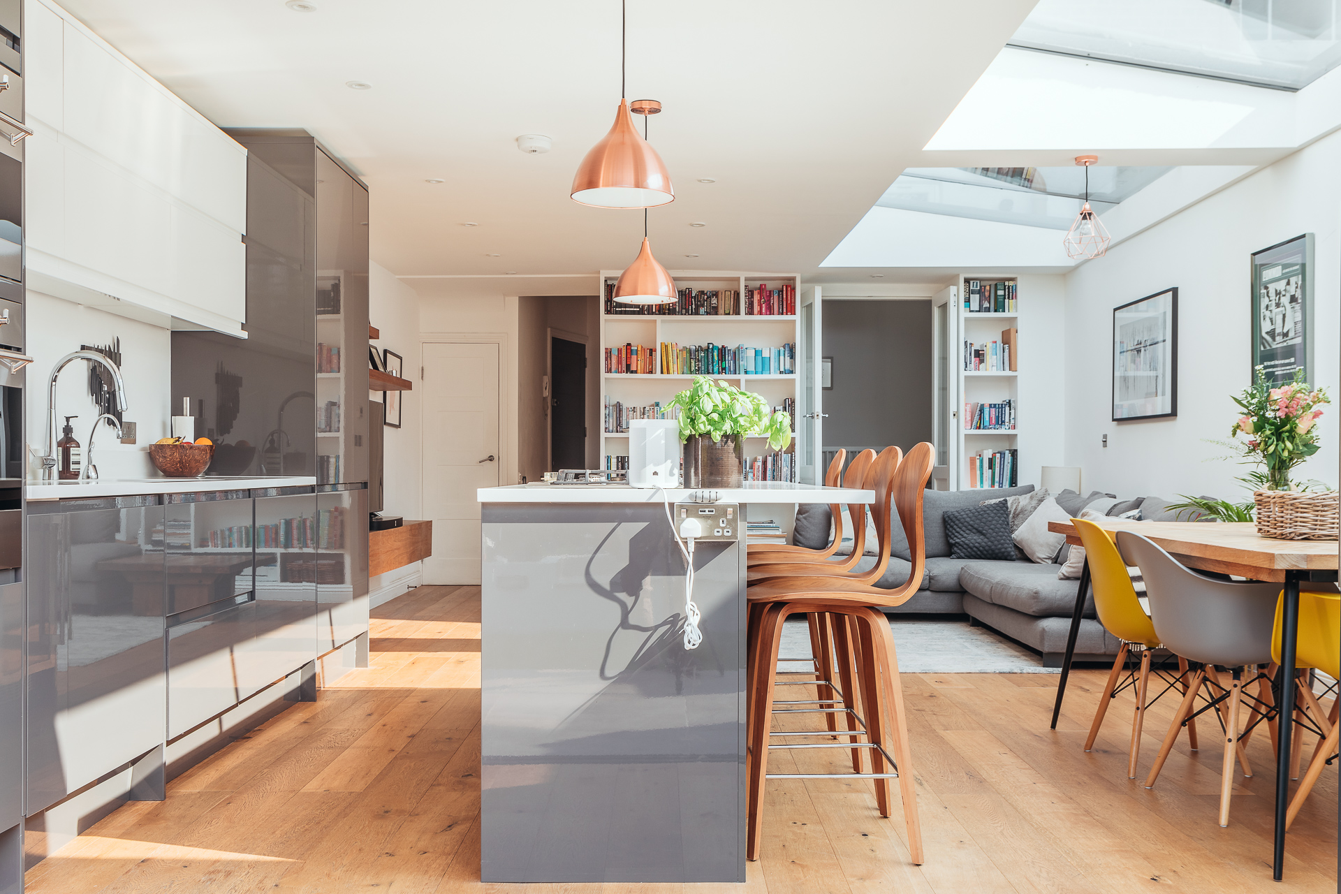 An interior shot of a property sold at Davies & Davies, Estate Agents in Stroud Green.
