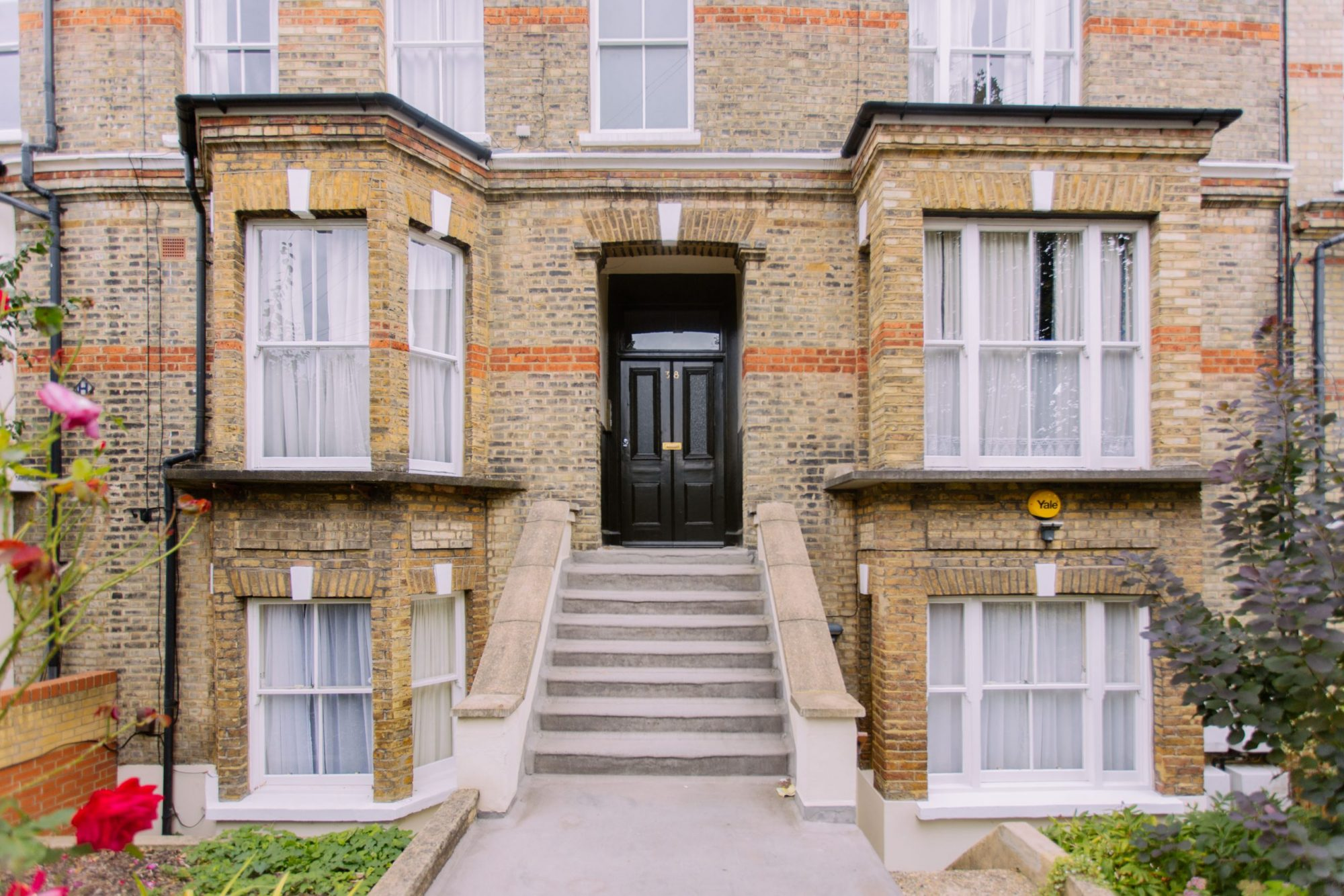 A picture of a large double fronted Victorian property that Davies & Davies manage where individuals have made an investments in buy-to-let property.